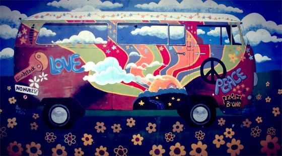 hippie_van_vw_camper_art_love_peace_flower_power_amsterdam-653298.jpg!d